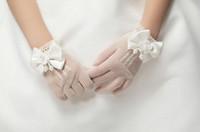 luvas de casamento flor menina venda por atacado-1 par Meninas Creme De Renda Pérolas Arrastão Luvas Primeira Comunhão Festa de Casamento Da Menina de Flor