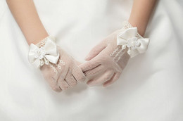 Wholesale Cream Bridal Flowers - 1pair Girls Cream Lace Pearl Fishnet Gloves First Communion Wedding Flower Girl Party