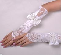 weiße fingerlose handschuhe stickerei großhandel-Typ 4 1 Paar Hot White Brauthandschuhe Bow Diamond Bud Seidenstickerei Hochzeitsschmuck Pure White fingerlose Handschuhe