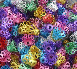 En gros Livraison Gratuite 500 pcs 7 couleurs Mixte Creux En Aluminium Couronne Perles Caps Connecteur Pour Bijoux 6x9mm ? partir de fabricateur