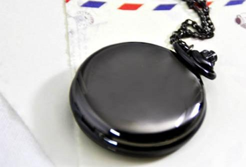 Big Round lisse polonais Montres de poche avec une longue ChainQuartz Antique Montres pour Femme Homme Enfant Cadeau de Noël Argent Noir 2 Couleur