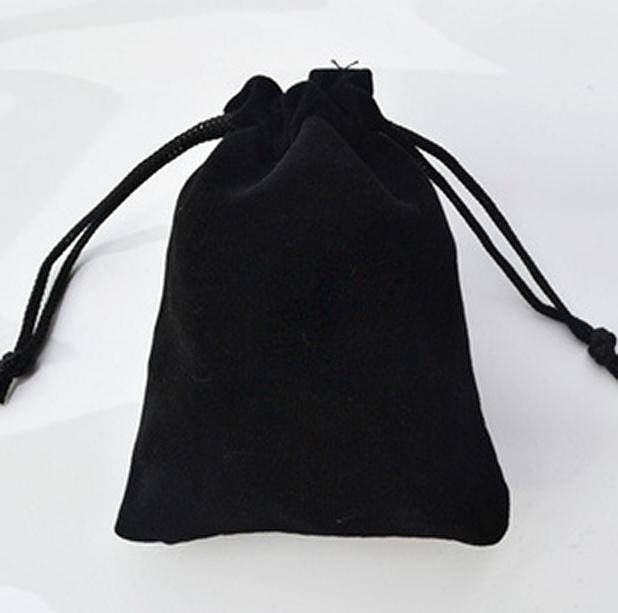 أكثر من الحجم الأسود المخملية flannelet المجوهرات هدية الحقيبة حقائب الرباط الجميلة