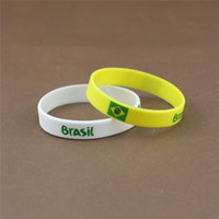 Wholesale Wholesale Sports Souvenir Gifts - New Colourful 2014 Brazil World Cup Football Sports Souvenir Bracelet Silicone Silicon Gel wristbands Wrist Band Bracelets Free shipping