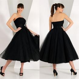 2019 Little Black Prom Abiti da cerimonia Senza spalline Abito da sera Morbido Tulle Net Tea Lunghezza Cocktail Party Dresses Plus size Homecoming Dress da