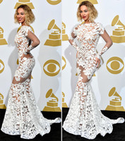 Beyonce In Spitze Applique Michael Costello Grammy Awards Roter Teppich Celebrity Kleider Langarm Sheer Abendkleid Backless Abendkleid