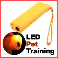 ingrosso dispositivi di allenamento per cani-Cane Pet Ultrasonic Aggressive Dog Repeller Train Stop Barking Training Device LED Light Spedizione gratuita, dandys