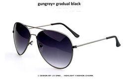 Ücretsiz Nakliye Sıcak Tasarımcı Güneş Gözlüğü Marka Adı Pilot Gözlük Renkli Çerçeve Renkli Ayna Güneş Gözlükleri Birçok Renkler 20 adet / grup cheap name brand sunglasses nereden isim markası güneş gözlüğü tedarikçiler