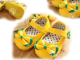 Wholesale Drop Shipping Shop - Yellow dot bow toddler shoes! Grade PU toddler shoes! Us size 3-us 5.drop shipping, shoes sale, chian shoes.cheap shoe.shoes shop.1pairs 2pc