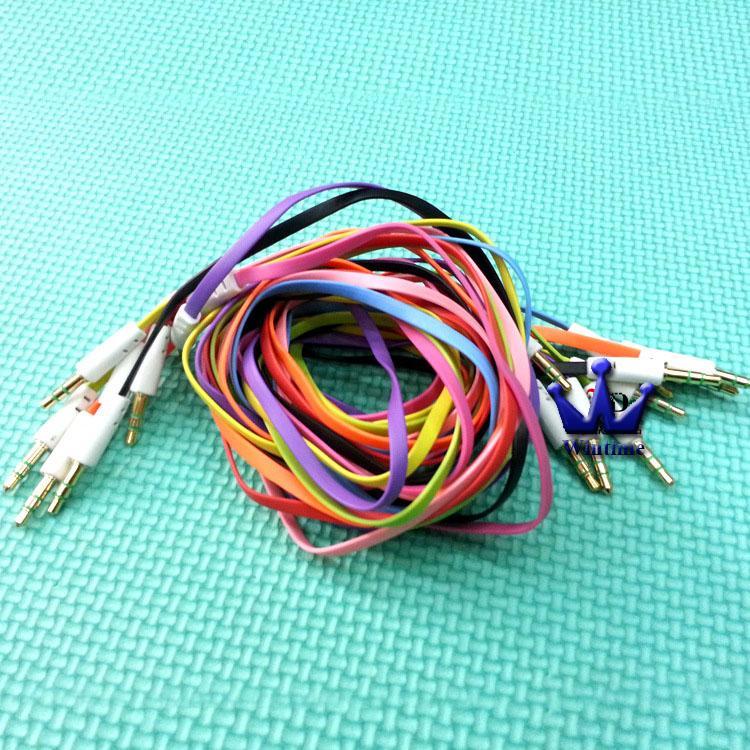 Toptan / Yüksek kaliteli 3,5 mm ila 3,5 mm Renkli düz tip Araba Aux ses Kablo Ses Yardımcı Kablo Extended