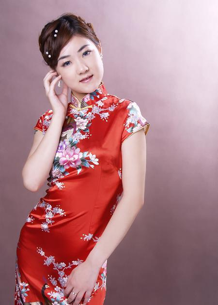 المرأة الصينية التقليدية الحرير الحرير مساء ارتداء اللباس تشيونغ سام تنورة