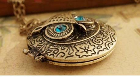 Blue Eye Owl Pendant Necklaces Round Photo Frame Box Lockets Vintage Long Sweater Chain Bronze Carve Reminiscence Charm Lockets Jewelry