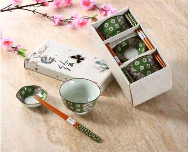 Conjunto de tigela japonesa para 2 incluindo tigelas de arroz de porcelana Chopsticks Snack Dishes Pintados à mão Sakura Cherry Blossom Design