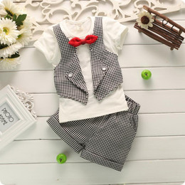 Wholesale Baby Clothes Suit Gentleman - Samll Baby Clothing Set For 2017 Summer Butterfly Bow-Tie Grid Kid's Boy Suit Gentleman Tshirt + Shorts 2pcs Toddler Sets 80-110 GX205