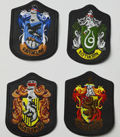 Wholesale Harry Potter Box Set - Newest Harry Potter Hogwarts House GRYFFINDOR SLYTHERIN Ravenclaw Hufflepuff Embroidery Pin Badge Insignia 4pcs set come with box