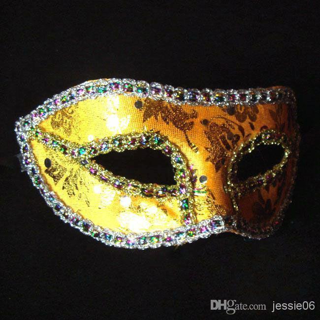 Nueva máscara Mujeres Sexy Hallowmas Máscara veneciana Máscaras de la mascarada Luz plateado máscara Ball Party exquisito hombre regalo de Navidad 20 unids / lote