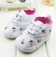 bebeğin ayakkabıları toptan satış-2014 Yeni Varış Bebek Ilk Yürüteç Ayakkabı Nakış Çiçek bebeğin Kız Prenses Sneaker Yürüyor bebek Ayakkabı 11-12-13 6 çift / grup GX321