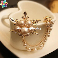 Wholesale Scarves Korea - Wholesale-2014 (Mix order) Korea Big Elegant Pearl Flower Gold Color Women Brooch Pins For Suit Sweater Hat Scarves [X0601]
