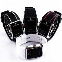assistir livre luzes vermelhas venda por atacado-Luxo LED relógio digital Luz Vermelha Opcional forma para homens das mulheres Envio Sports Stainless Steel Relógio de pulso gratuito