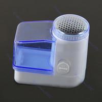ingrosso rasoio per tessuti-Nuovo rasoio elettrico portatile portatile dei vestiti del maglione del dispositivo di rimozione della lanugine della pillola del fuzz