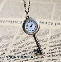 colar de relógio chave venda por atacado-Relógio de Bolso do estudante de Aço Inoxidável Bonito Chave Relógio de Bronze Antigo Bonito Chave Padrão Relógio de Bolso Colar Rang Pingente para homem das mulheres