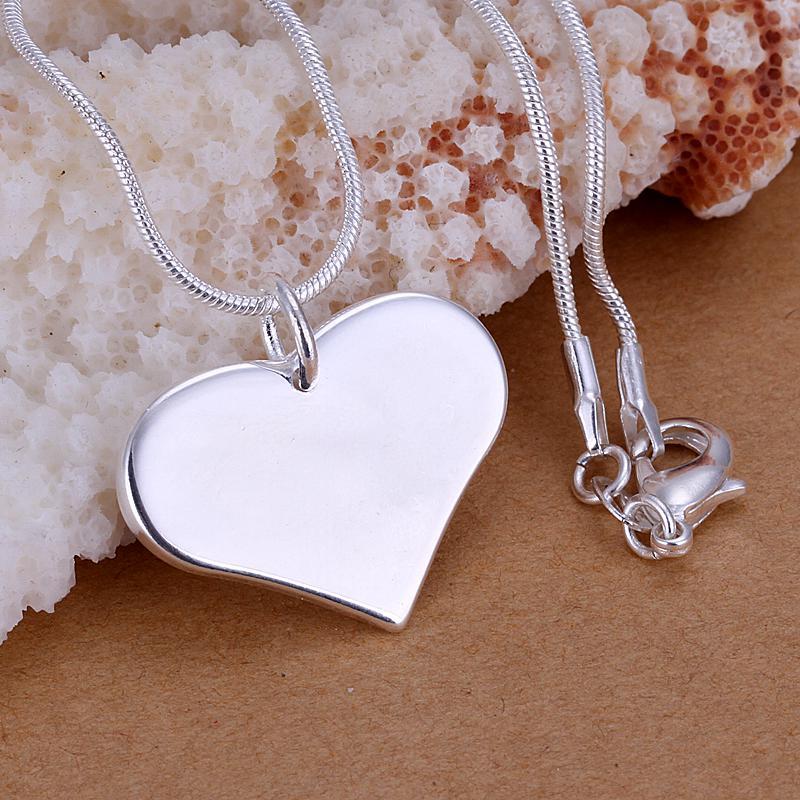 Låg Pris Främjande 925 Sterling Silver Plated Heart Pendant Halsband Mode Smycken Alla hjärtans dag Present Gratis frakt