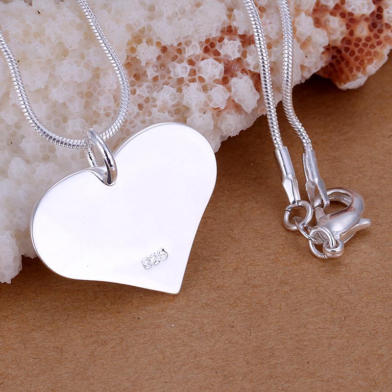 L'argento sterlina di promozione di prezzi bassi 925 ha placcato il regalo di San Valentino dei monili di modo della collana del pendente del cuore che spedice liberamente