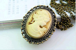 Wholesale Bronze Round Charms - 10 pcs lot Fashion lady Fashion lady Charming steampunk Antique pocket watch necklace