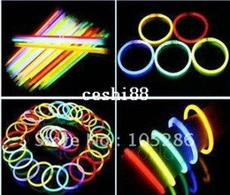 $enCountryForm.capitalKeyWord Canada - 100pcs lot Wholesale Cheap Light Stick Glow Bracelet Party celebration glow in the dark Stick fluorescence stick Bracelet Toy