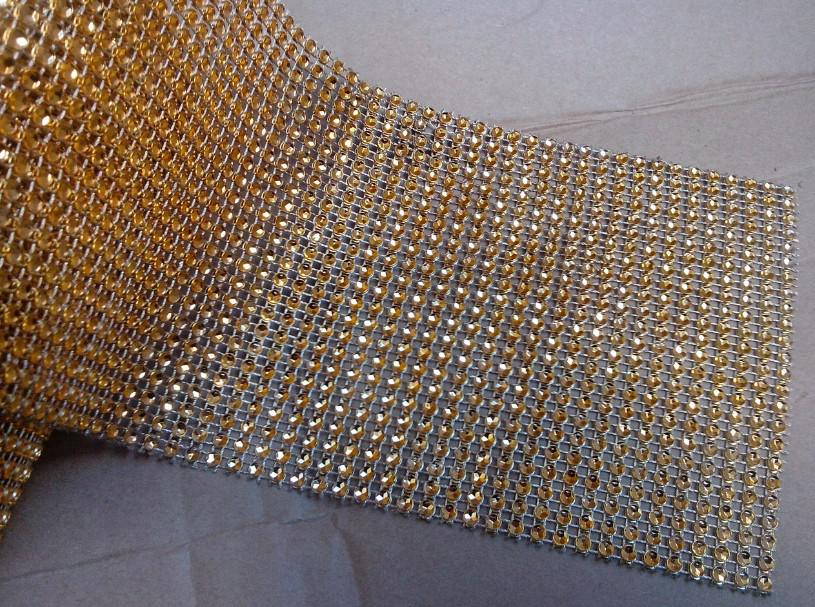 الجملة -4.5 بوصة 10 ياردة 24 صفوف الذهب الزفاف الديكور الماس شبكة لفة الذهب حجر الراين الشريط