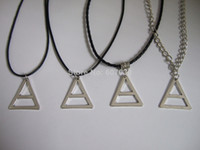 6pcs много Мода 30 секунд до Марса Logo Triad Pendant Necklace