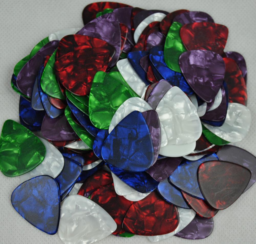 الكثير من 100 قطع الثقيلة 1 ملليمتر غيتار فارغ يختار plectrums لا طباعة السيليلويد ألوان متنوعة