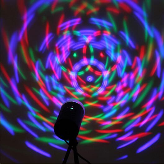 الاتحاد الأوروبي 220V 3W بالألوان الكاملة الصمام كريستال صوت المنشط الدورية RGB المرحلة الخفيفة DJ ديسكو مصباح شحن مجاني
