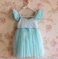 mavi ışıltılı kızlar elbiseli toptan satış-Perakende satış Kızlar prenses Elbiseler Çocuk giyim Kız Pullu Uçan Kollu Sparkle İplik Diz Boyu Parti Elbiseler pembe mavi A4016