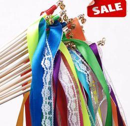 Cinta de encaje de lujo streamers palillos de la boda deseo varitas mágicas con campanas confeti partido props decoración eventos boda favorece suministros