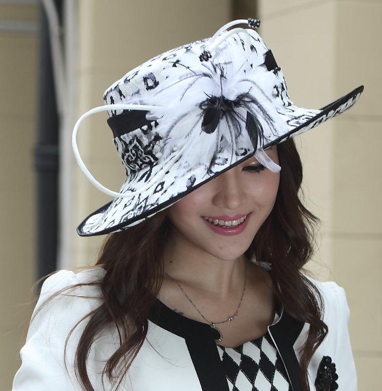 dc2c158bc Hot Sale Fashion Women Satin Winter Dress Derby Wedding Formal Fabric  Winter Hat Feather Hat Ladies' 100% Polyester Black White Elegant Hat