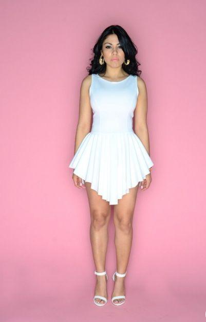 2016 Hot Fashion Damen Minikleider Weiß unregelmäßigen Faltenrock Neue Sommer Sleeveless Sexy Bodycon Party Kleid Damen Casual Dress PY4