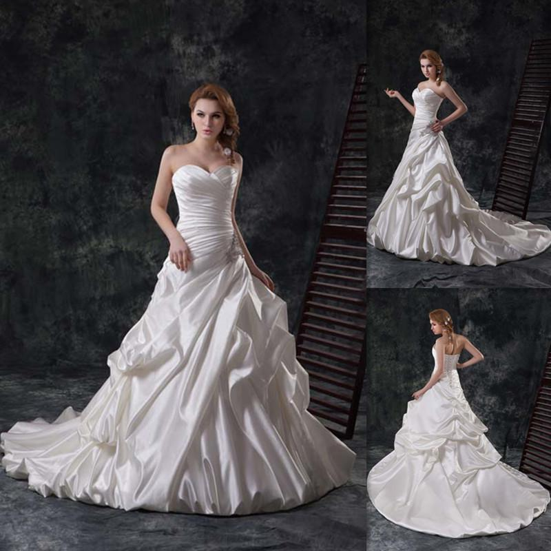 2015 Gothic Traditional Wedding Gowns Ivory Satin Sweetheart Corset ...