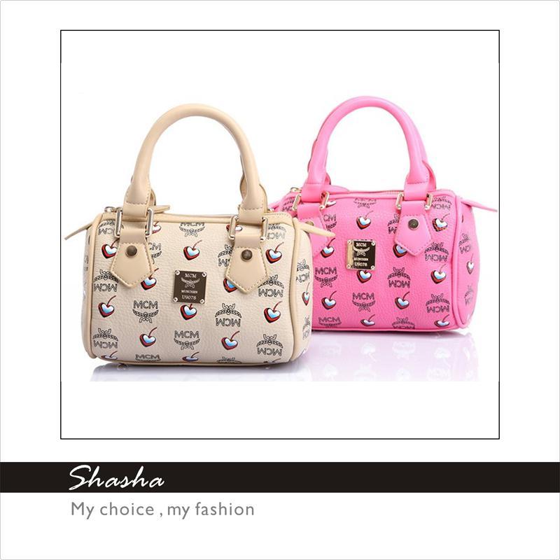 84e8ad51fa15 2014 Korean Boston PU Leather Brand Designer MCM Handbags Women Totes Girls  Kids Shoulder Bag Fashion Children Pink PRINCESS Bags 2 Sizes Girl Bags  Brands ...