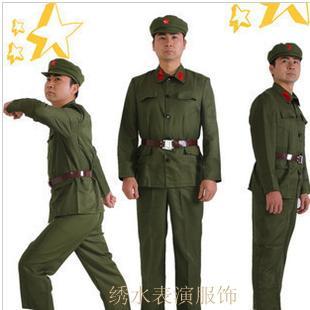 الملابس الثورية للجيش الثوب الأحمر ملابس الحرس الأحمر خلال الثورة الثقافية الملابس زي التصوير الزي القديم العروض الخاصة