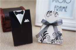 Wholesale Candy Shiping - Wedding Candy Boxes Small Gift Bags Lots Paper White Black Bride Groom Dress Wedding Favours Free Shiping Candy Holder Boxes 1001