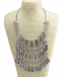 $enCountryForm.capitalKeyWord UK - New Vintage Style Carving Flower Alloy Rhinestone Bell Evil Coin Tassels Choker Necklace Earrings Set