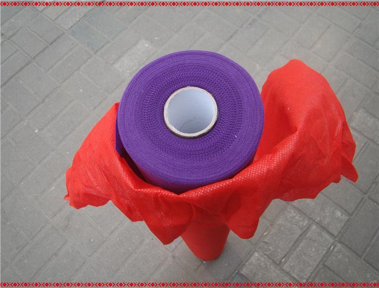 Nueva llegada Favores de la boda Tela no tejida púrpura Alfombra Corredor del pasillo para el banquete de boda Suministros de decoración Disparos Prop 20 metros / rollo