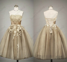 Wholesale Line Wedding Feather - Short wedding dress, feather wedding gown, wedding dress, strapless wedding dress, belts wedding dresses DH7509