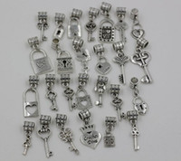 Grosses soldes ! 26pc ou 130pc 26 Style Mix Antique Silver Heart Crown Lock / Key Dangle Bracelet Fit European Charm Bracelet (Z229)