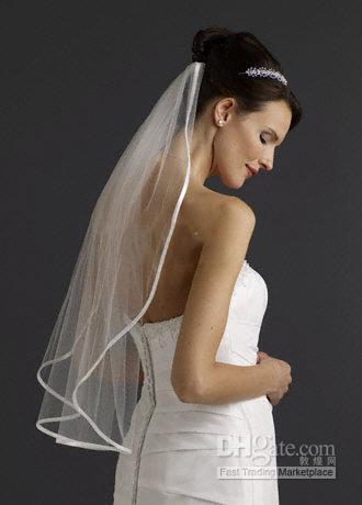 الأبيض / العاج 1 الطبقة 1T العروس الزفاف الحجاب الزفاف مع مشط الساتان الشريط