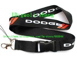 Yeni 50 adet DODGE araba Logo İpi / MP3 / 4 cep telefonu / anahtarlıklar / Boyun Askısı İpi TOPTAN Ücretsiz kargo nereden logo cep telefonu kayışları toptan satış tedarikçiler