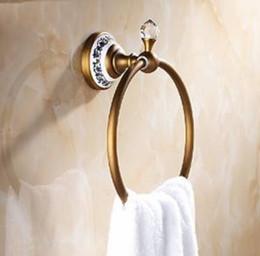 Canada Anneau porte-serviettes rond en laiton antique salle de bain serviette en céramique décorée cheap bathroom towel rings Offre