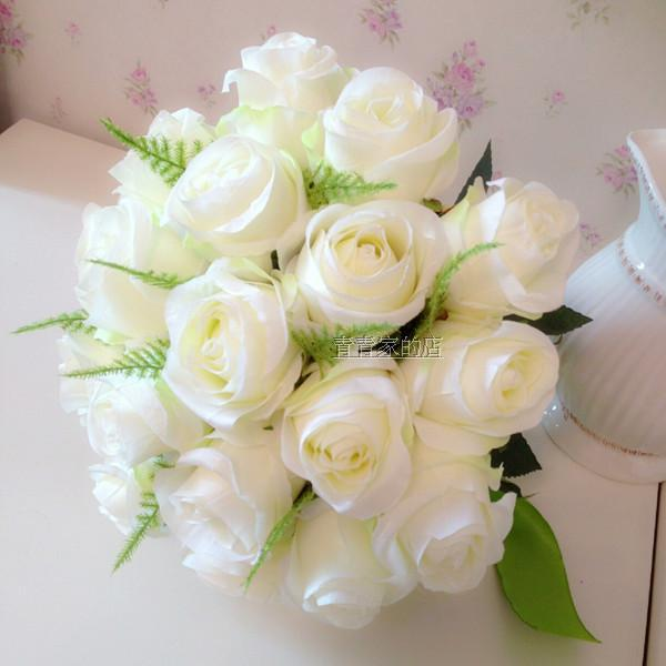 Bouquet de rose blanche pi17 jornalagora for Bouquet de roses blanches