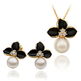 Wholesale Mother Pearl Flower Necklaces - 2014 New Design 18K gold plated pearl & crystal flower necklace earring fashion jewelry set beautiful Christmas gift free shipping