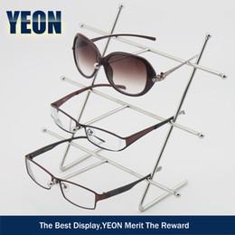 Support de support d'affichage de lunettes de soleil en acier inoxydable en métal de mode de YEON pour l'aménagement de magasin de supermarché, 10pcs / lot ? partir de fabricateur